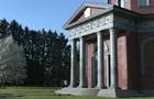 Аграрий на Черниговщине построил себе мавзолей на три миллиона долларов