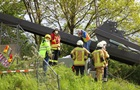 В Германии рухнул пешеходный мост, есть жертвы