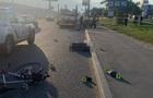 Пьяный прохожий в Киеве толкнул велосипедиста под колеса грузовика