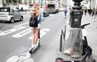 У Парижі жінку на смерть збив електросамокат