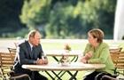 Путін розповів Меркель про переговори з Байденом