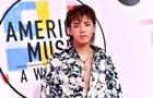 Китайскую поп-звезду подозревают в изнасилованиях