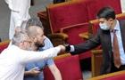Коронавірус в Україні: чи пускати депутатів до сесійної зали без вакцинації