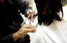 Женщина отсудила у салона красоты $271 тысячу за плохую стрижку
