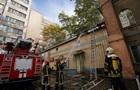 У Києві евакуювали людей через пожежу на території Інституту урології