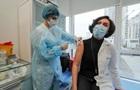 У МОЗ озвучили дані щодо вакцинації медиків