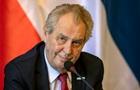 Президент Чехії вже тиждень у лікарні. ЗМІ пишуть про хвору печінку