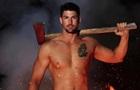 Пожежники з Австралії знялися топлес для календаря