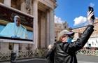 Папа Римский получил третью COVID-прививку