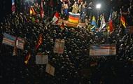 Тысячи немцев вышли на улицы с требованием отставки Меркель