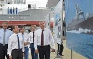 Медведев в Крыму пообещал 57 млрд рублей