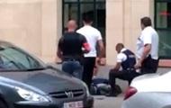 У Брюсселі чоловік з ножем напав на поліцейських
