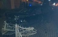В Ровно машина влетела в остановку общественного транспорта