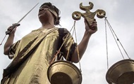 В Transparency раскритиковали закон Порошенко об Антикоррупционном суде