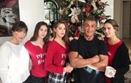 Сильвестр Сталлоне показал фото со своими дочерьми