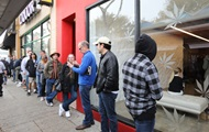 В Калифорнии сняли огромные очереди за марихуаной