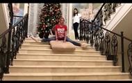 Анастасия Волочкова на шпагате съехала с лестницы