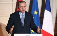 Эрдоган: США продолжают вооружать курдов в Сирии