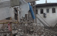 """В Крыму протестуют против """"реконструкции"""" ханского дворца а Бахчисарае"""