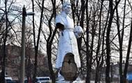 В Гайвороне разрушили памятник солдатам Второй мировой войны