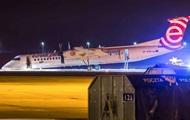 В Польше пассажирский самолет приземлился без переднего шасси