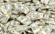 Ежедневно в Украину завозят по самолету валюты