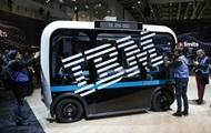 Прибыль IBM за год упала вдвое