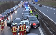 В Германии на автобане столкнулись 17 авто: пострадали 18 человек