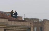 Хотел позвонить. Саакашвили объяснил инцидент на крыше