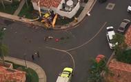 Вертолет рухнул на жилой дом в Калифорнии