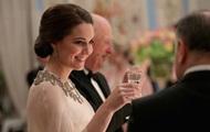 В эксклюзивном роскошном платье: Кейт Миддлтон на королевском приеме
