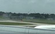 На авиашоу в Сингапуре загорелся самолет