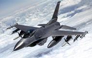 В Японии американский истребитель загорелся в воздухе