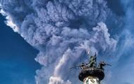 В Индонезии объявлен высший уровень опасности из-за вулкана