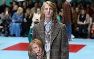 Показ Gucci: модели прошлись с головами в руках