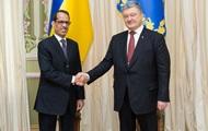 Poroshenko received credentials from three ambassadors