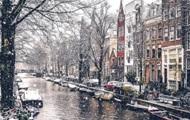 В сети появились фото заснеженного Амстердама