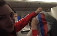 Олімпійка з РФ показала потаємний прапор на куртках