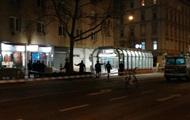 В Вене неизвестный с ножом напал на людей