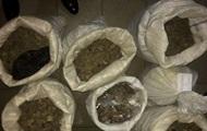 У Рівному заарештували 137 кг вилученого бурштину