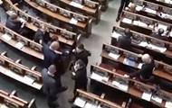 Савченко принесла в Раду гранаты - Мосийчук