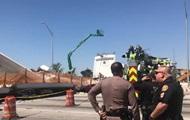 В Майами обрушился мост, есть жертвы