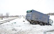 В Луганской области локомотив врезался в грузовик