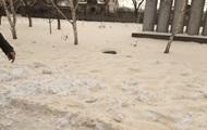 Стала известна причина желтого снега в Одесской области