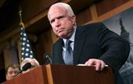 Борющийся с раком мозга Маккейн перенес операцию на кишечнике