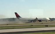 В США самолет экстренно сел из-за пожара