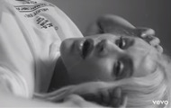 Кристина Агилера выпустила провокационный клип
