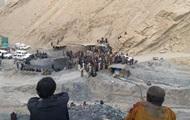 В Пакистане в результате обрушения двух шахт погибли 18 человек