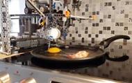 Канадцы научили робота готовить яичницу