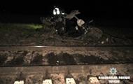 На Прикарпатье поезд врезался в автомобиль, есть жертвы